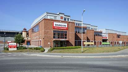 Magasinering hos Shurgard Solna